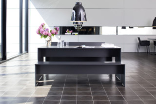 RIVA table  by  conmoto