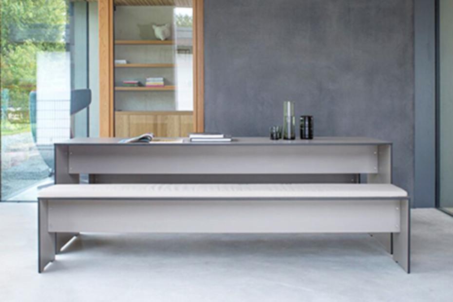 RIVA table