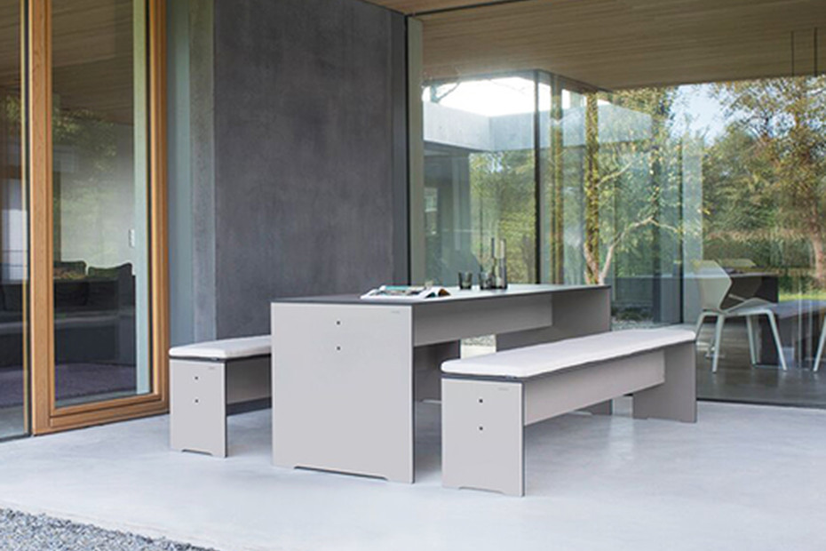 RIVA table