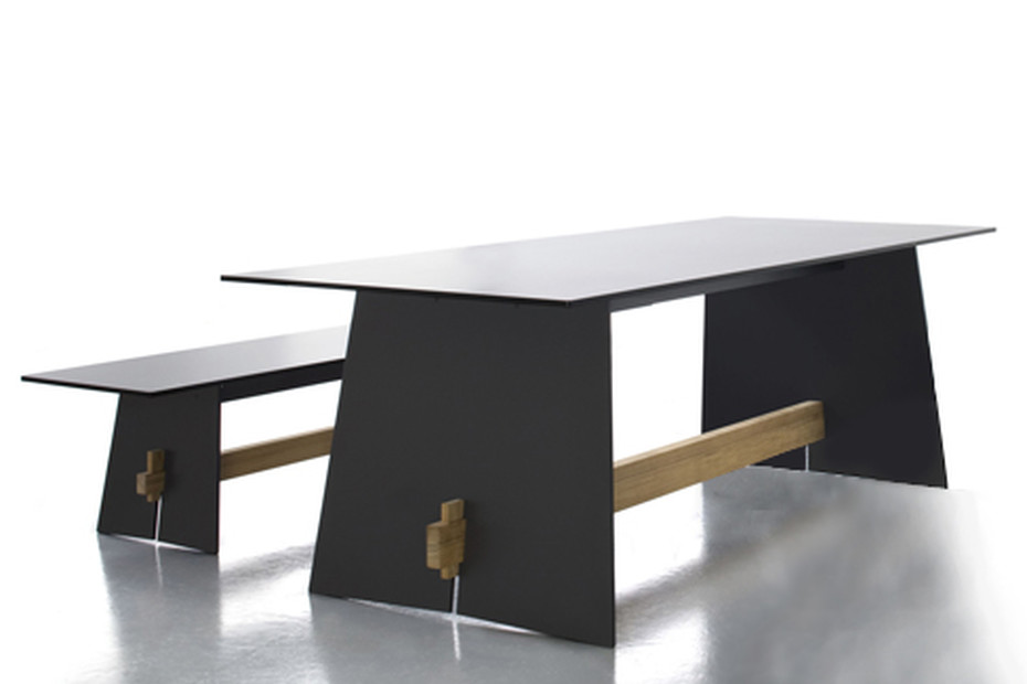 TENSION Tisch