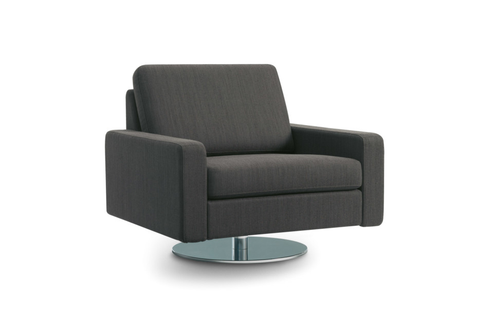 Conseta Armchair with rotatory plate