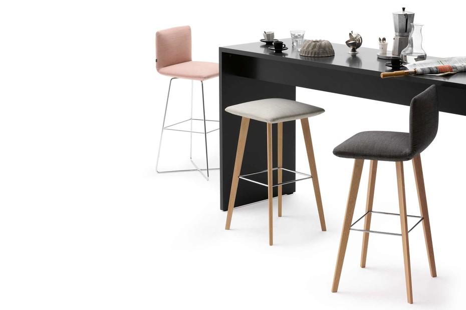 Jalis bar stool