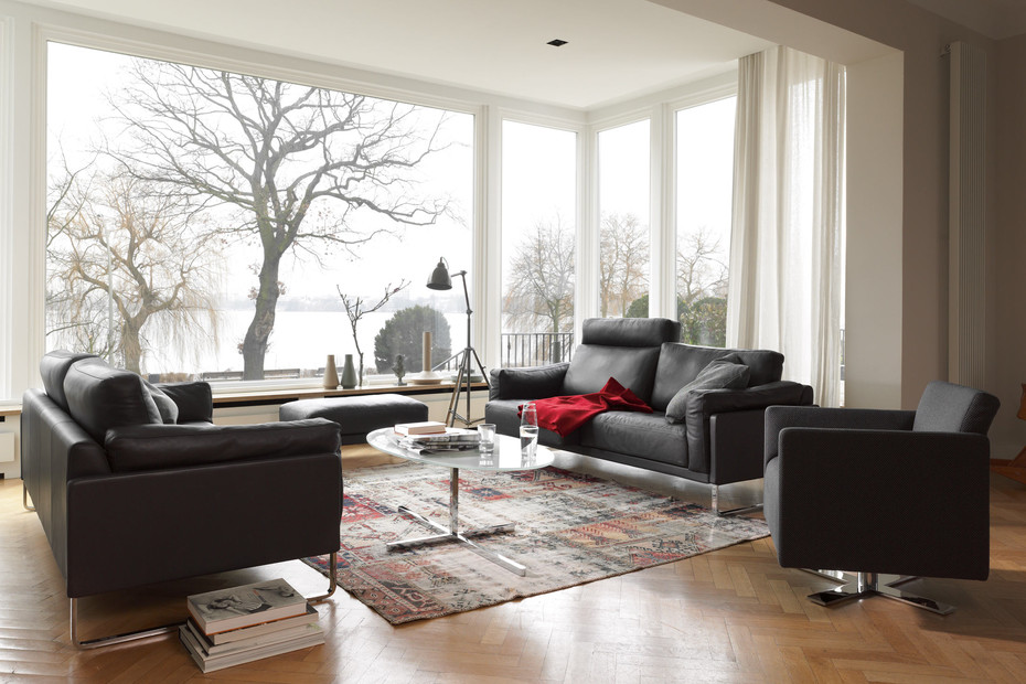 Rawi armchair with swivel X-base