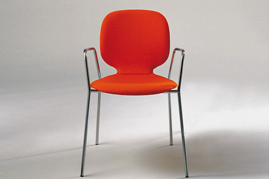 Alis chair with armrests