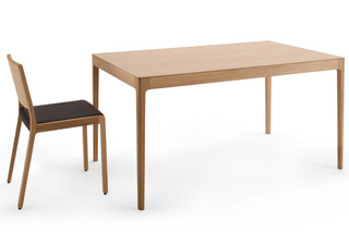 Esse dining table  by  Crassevig