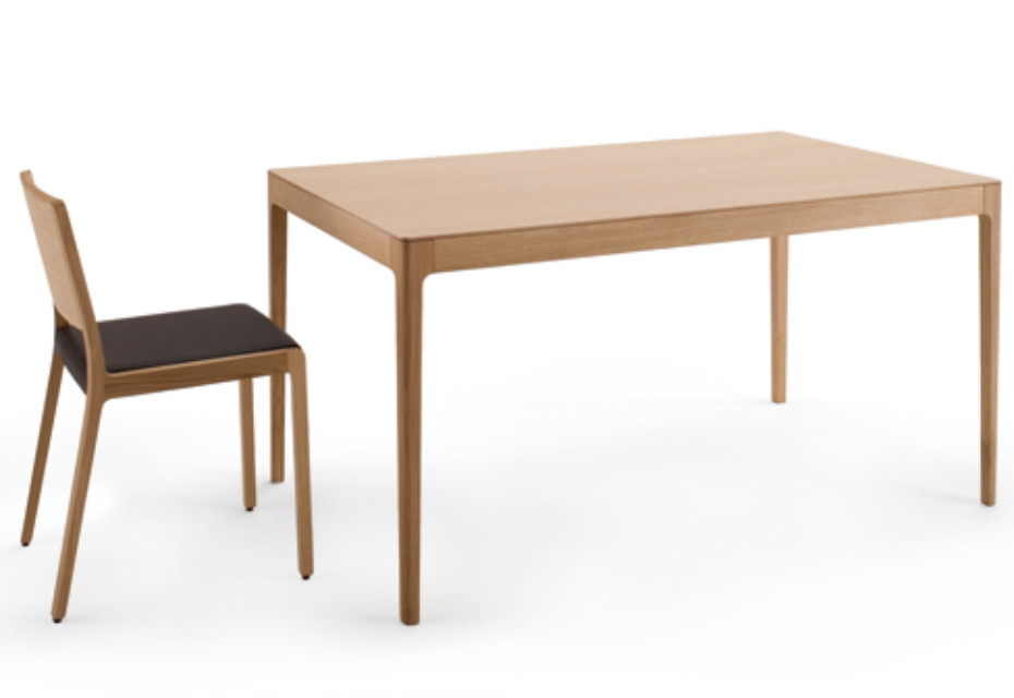 Esse dining table
