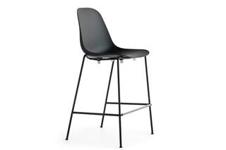 Pola bar stool  by  Crassevig