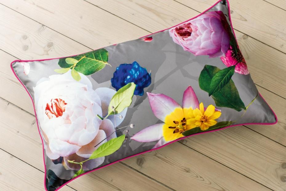 Cushion Rose