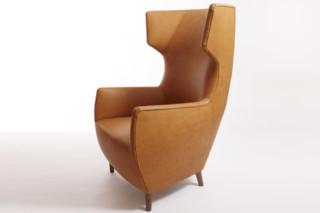 Hardy Wingback Chair  von  Dare Studio