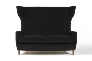 Hardy Wingback Sofa  von  Dare Studio