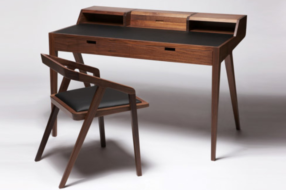 Katakana Writing Desk