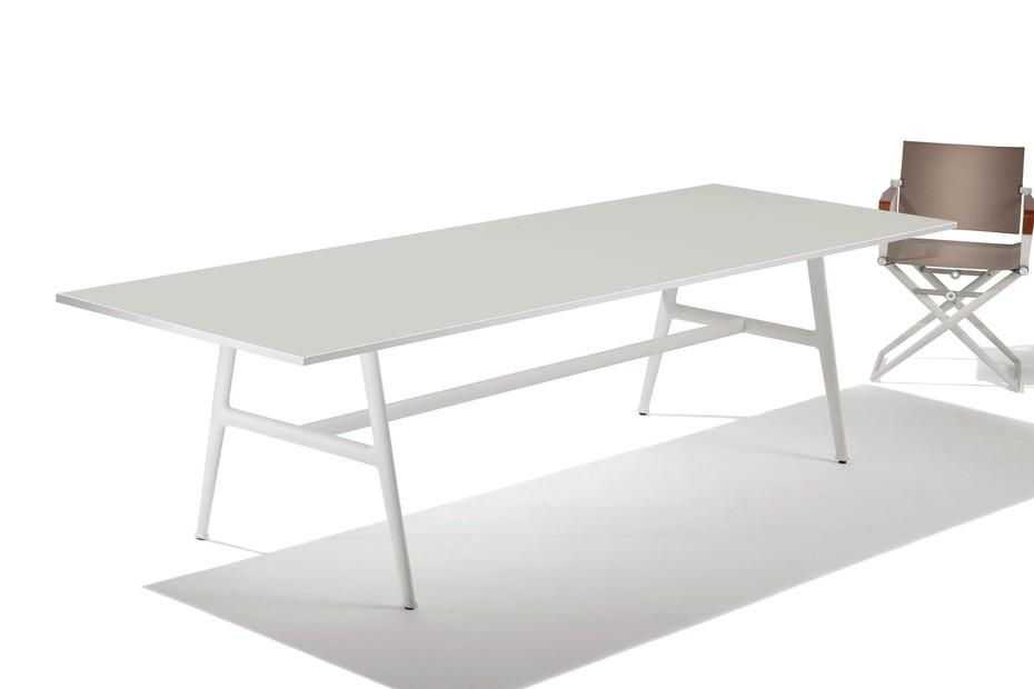 SEAX dining table 220