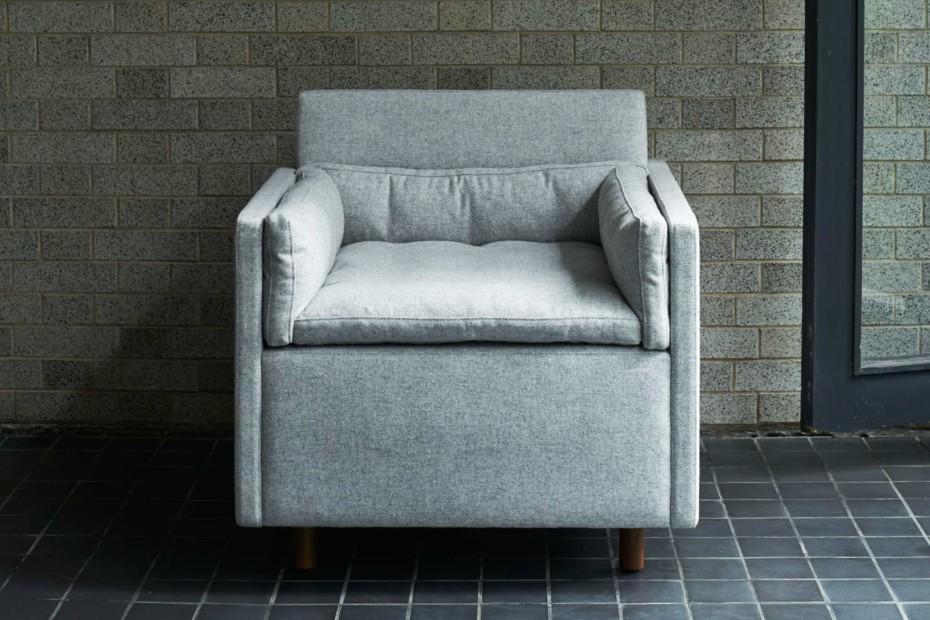 CB-561 Salon Club Chair