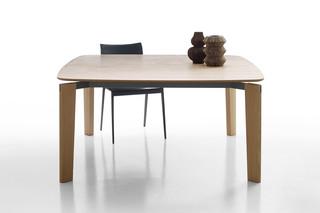 OSKAR wood  by  B&B Italia