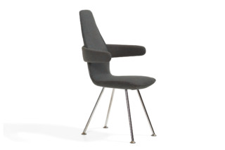 Poppe with low backrest and armrests  by  Blå Station
