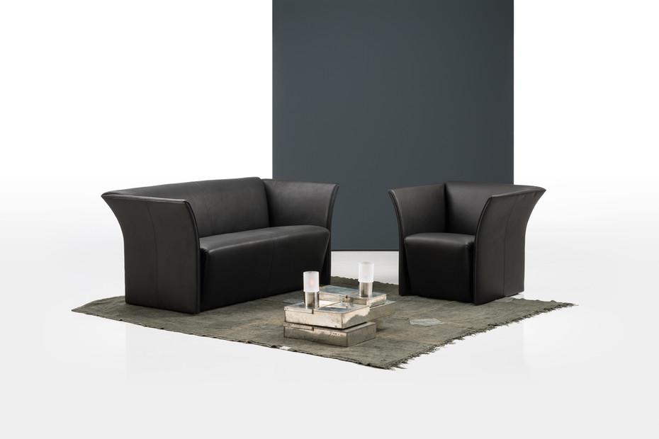 Magnat Sofa