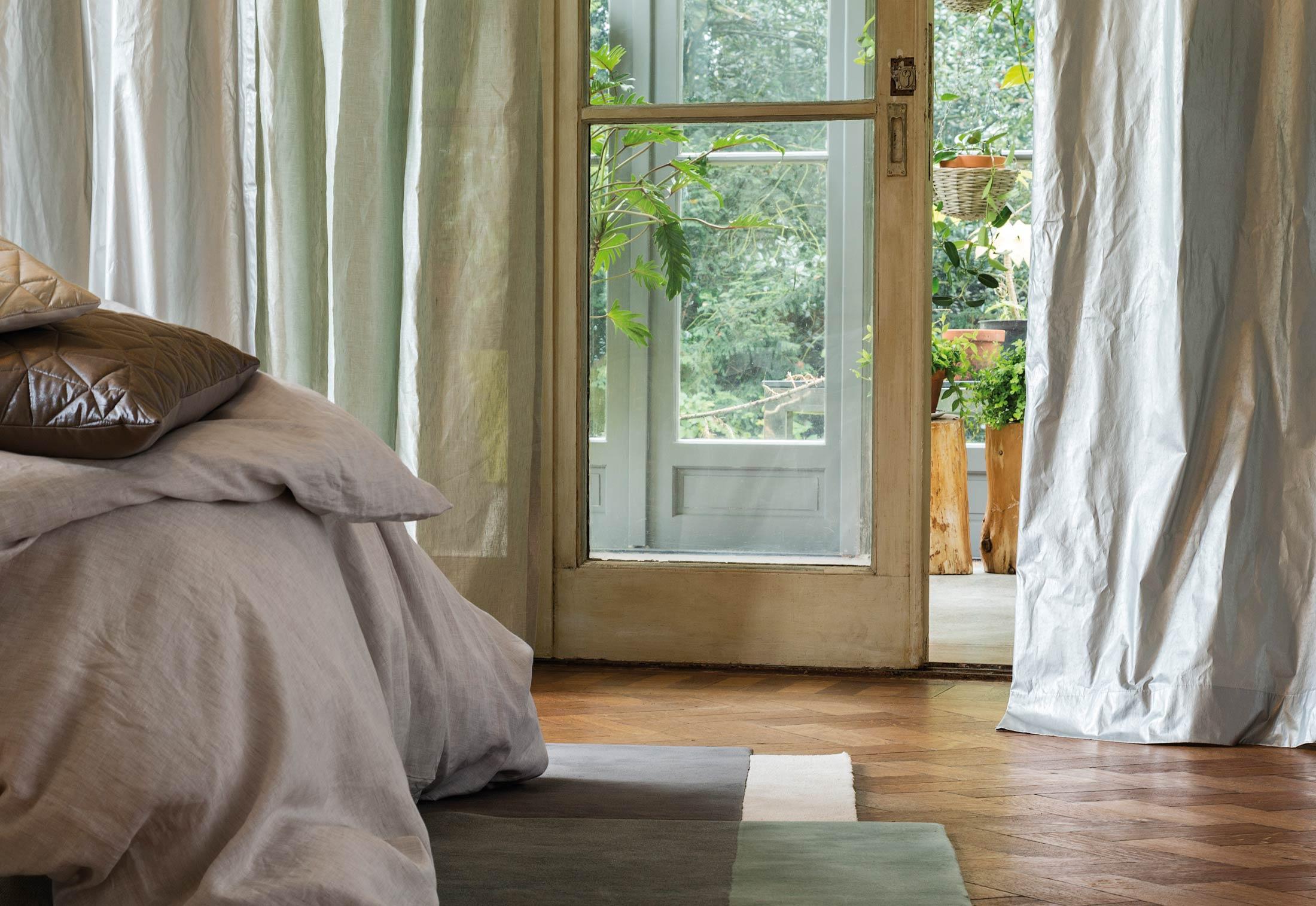 nova von christian fischbacher stylepark. Black Bedroom Furniture Sets. Home Design Ideas
