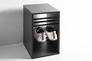 ONTO shoe rack  by  conmoto