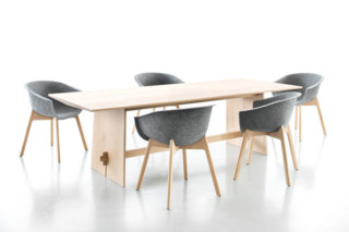 SOLID OAK table  by  conmoto