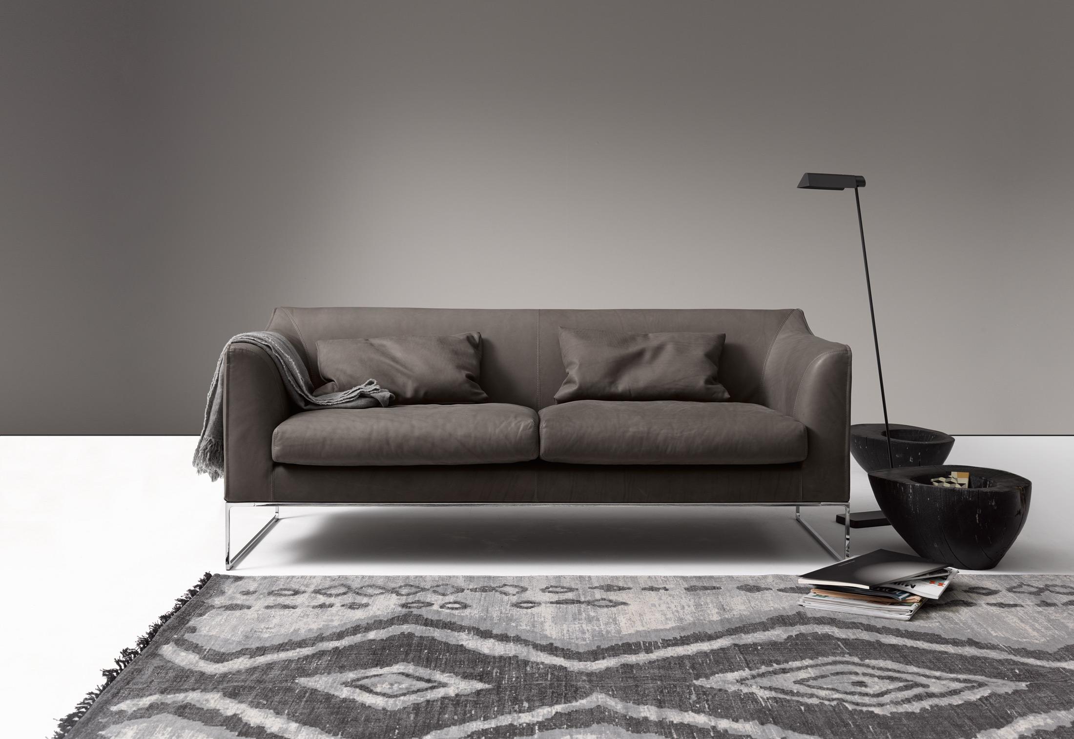 mell sofa mit hohem r cken von cor stylepark. Black Bedroom Furniture Sets. Home Design Ideas