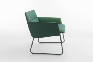 Aura armchair with sled base  by  Crassevig