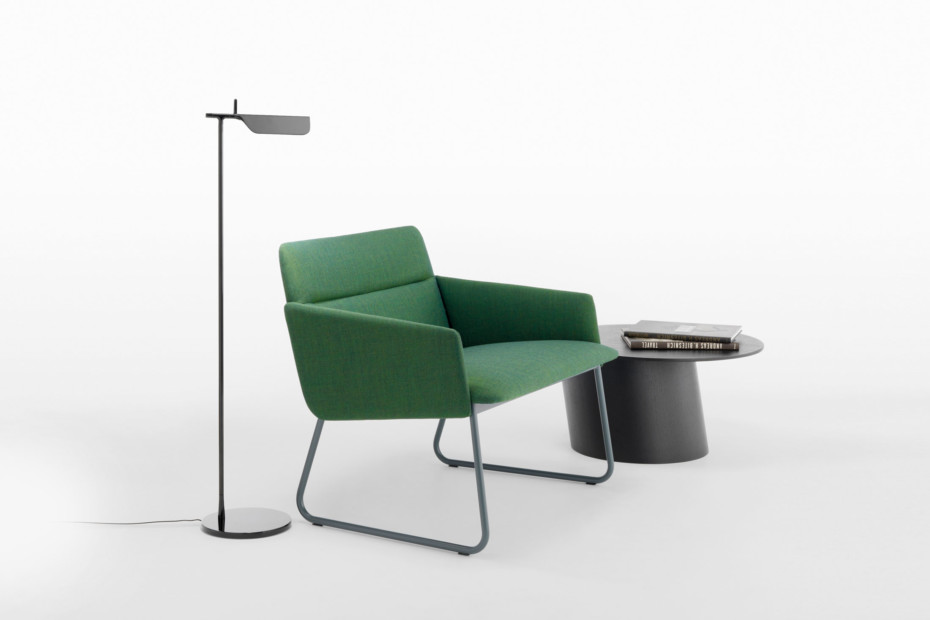 Aura armchair with sled base