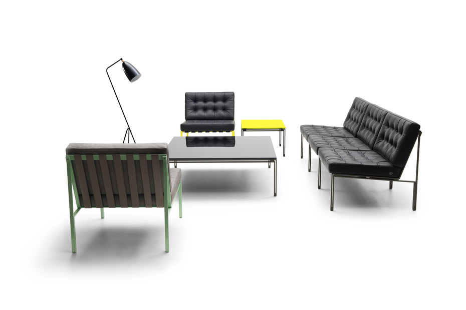 KT-221 armchair