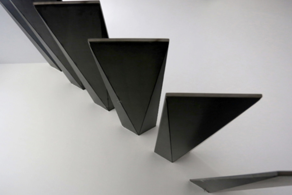 Floating Triangular Treads