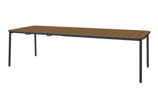Yard extensible table  by  Emu