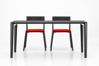 Finn Tisch  von  Girsberger