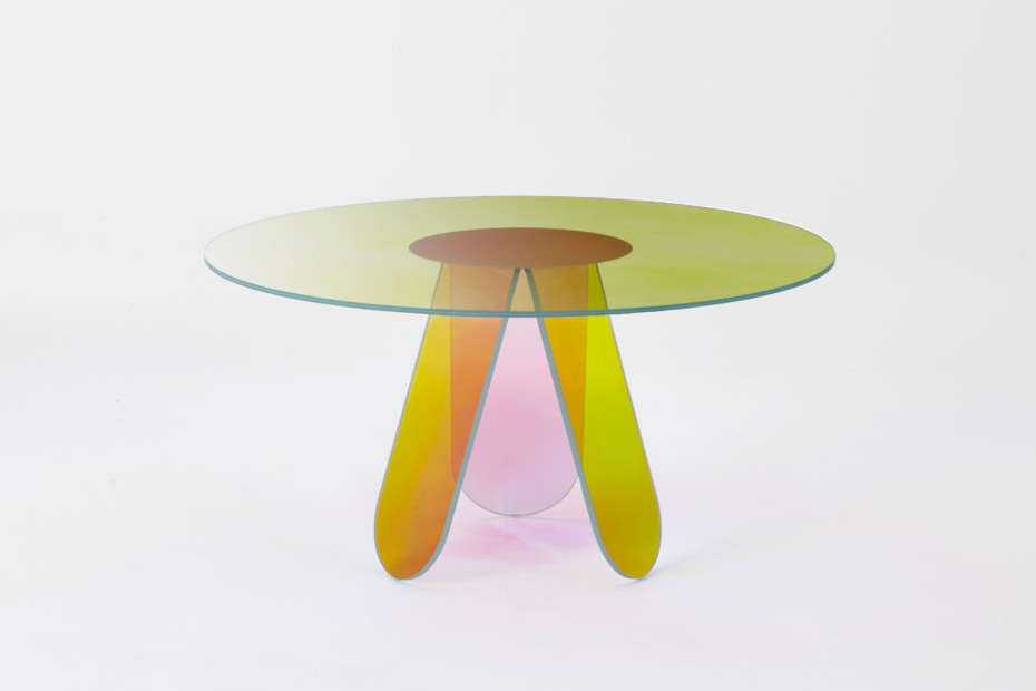 Shimmer dining table round