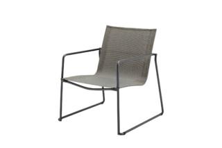 Asta Stapelbarer Lounge Sessel  von  Gloster Furniture