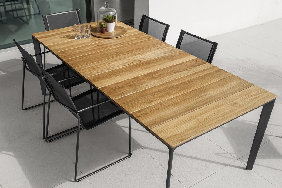 Carver Dining Table 170