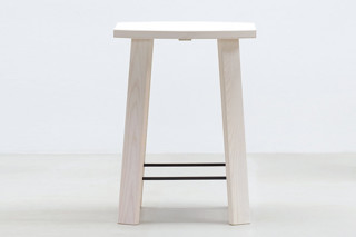 Alpin barstool  by  Hussl