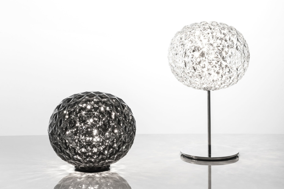 Planet table lamp