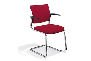 Cato Meeting chair cantilever with armrests  by  Klöber