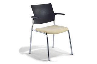 Cato Meeting chair four-legged with armrests  by  Klöber