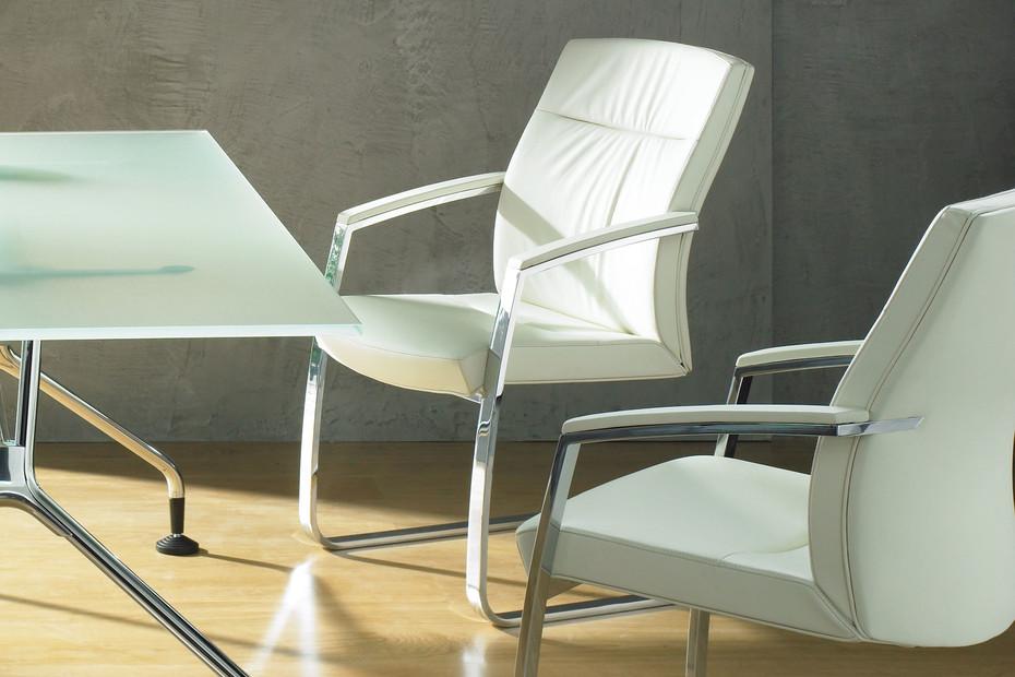 Centeo meeting chair