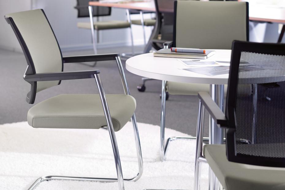Duera Besprechungsstuhl mit Netzrücken