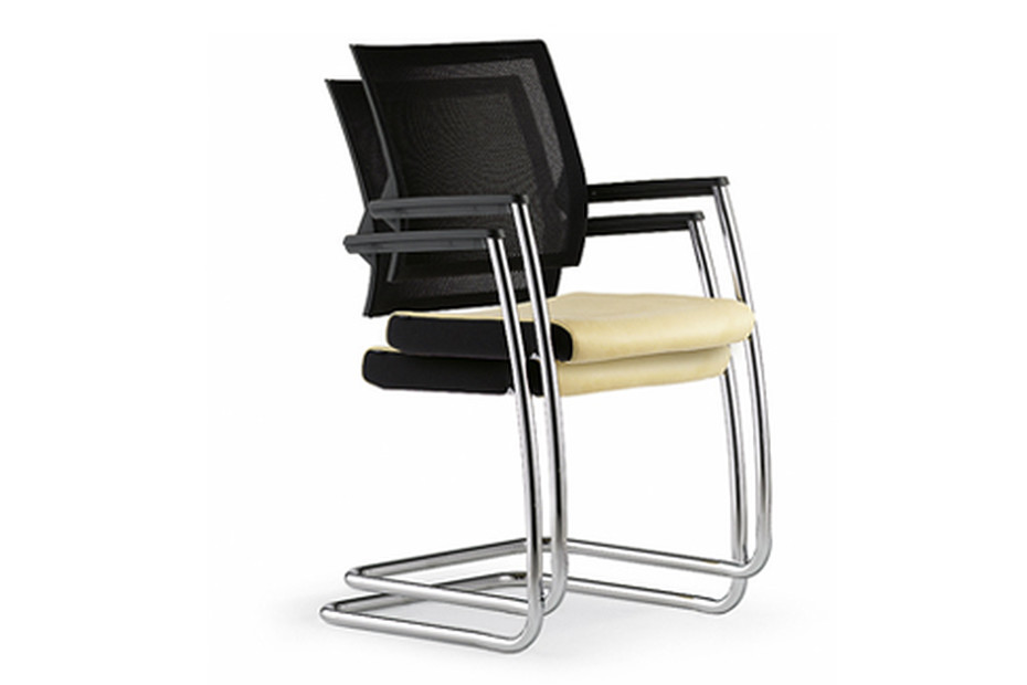Duera Meeting chair with mesh backrest