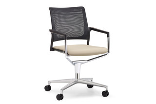 Mera conference swivel chair with mesh backrest and castors  by  Klöber