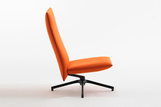 Pilot with high back rest  by  Knoll