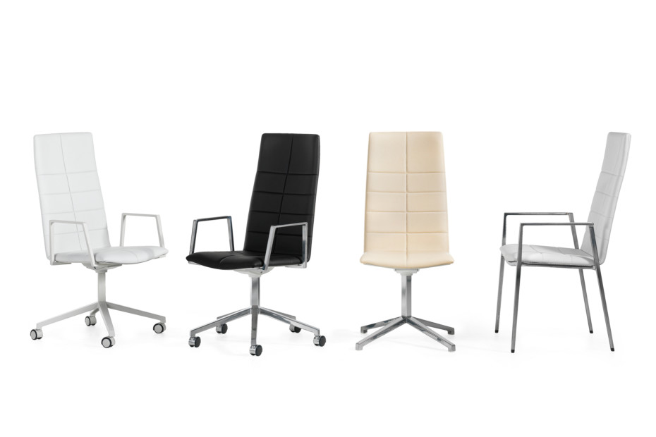 Archal with high backrest and armrests