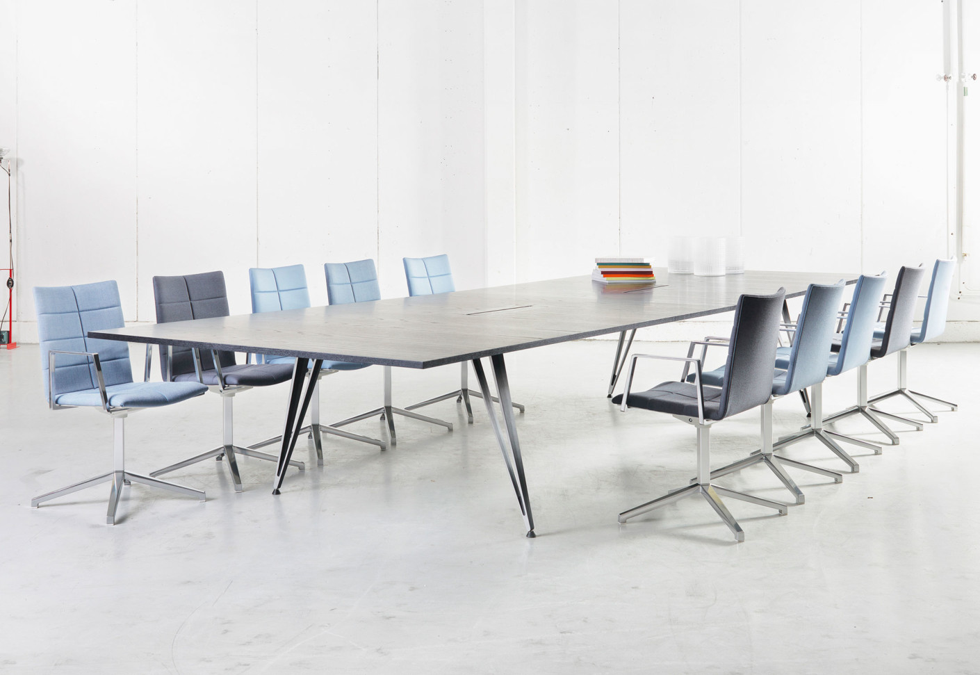 Attach by Lammhults STYLEPARK