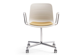 Grade with castors and armrests  by  Lammhults