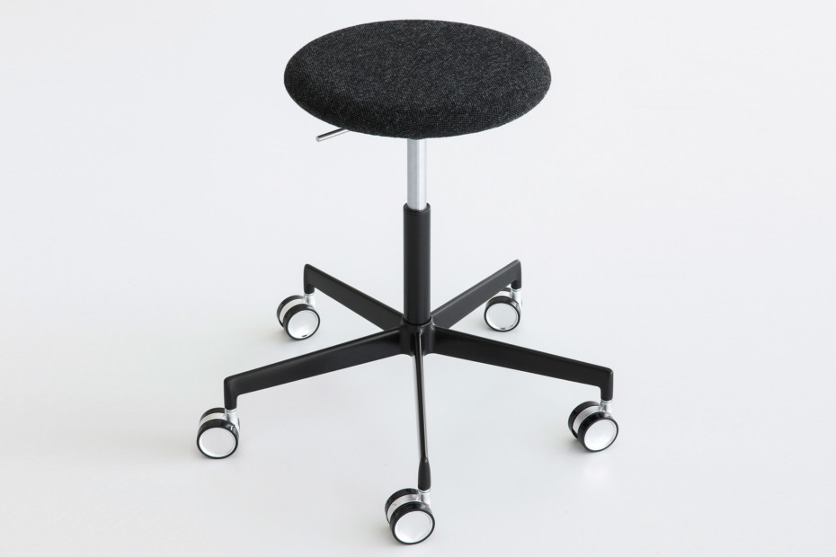 Lab bar stool with castors