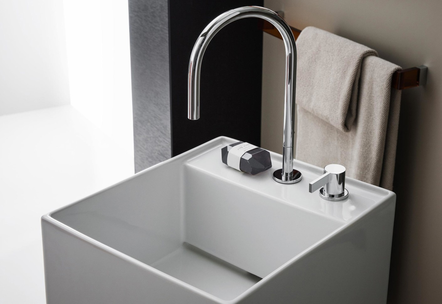 kartell by laufen washbasin mixer 2 hole by laufen stylepark. Black Bedroom Furniture Sets. Home Design Ideas