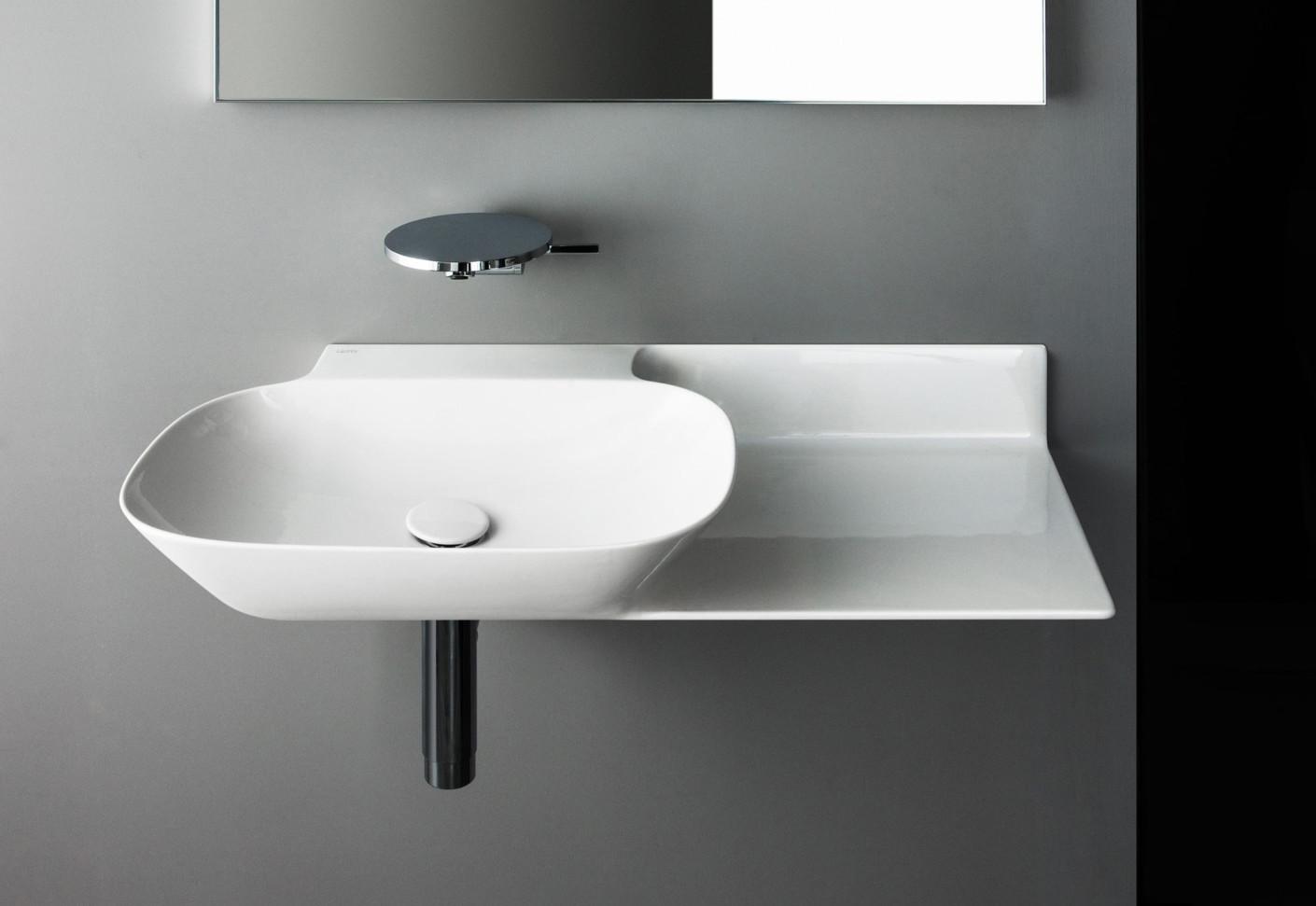 saphirkeramik ino waschtisch mit konsole von laufen stylepark. Black Bedroom Furniture Sets. Home Design Ideas