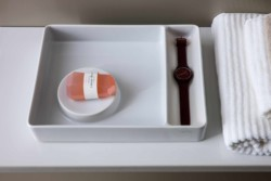 saphirkeramik val waschtisch von laufen stylepark. Black Bedroom Furniture Sets. Home Design Ideas