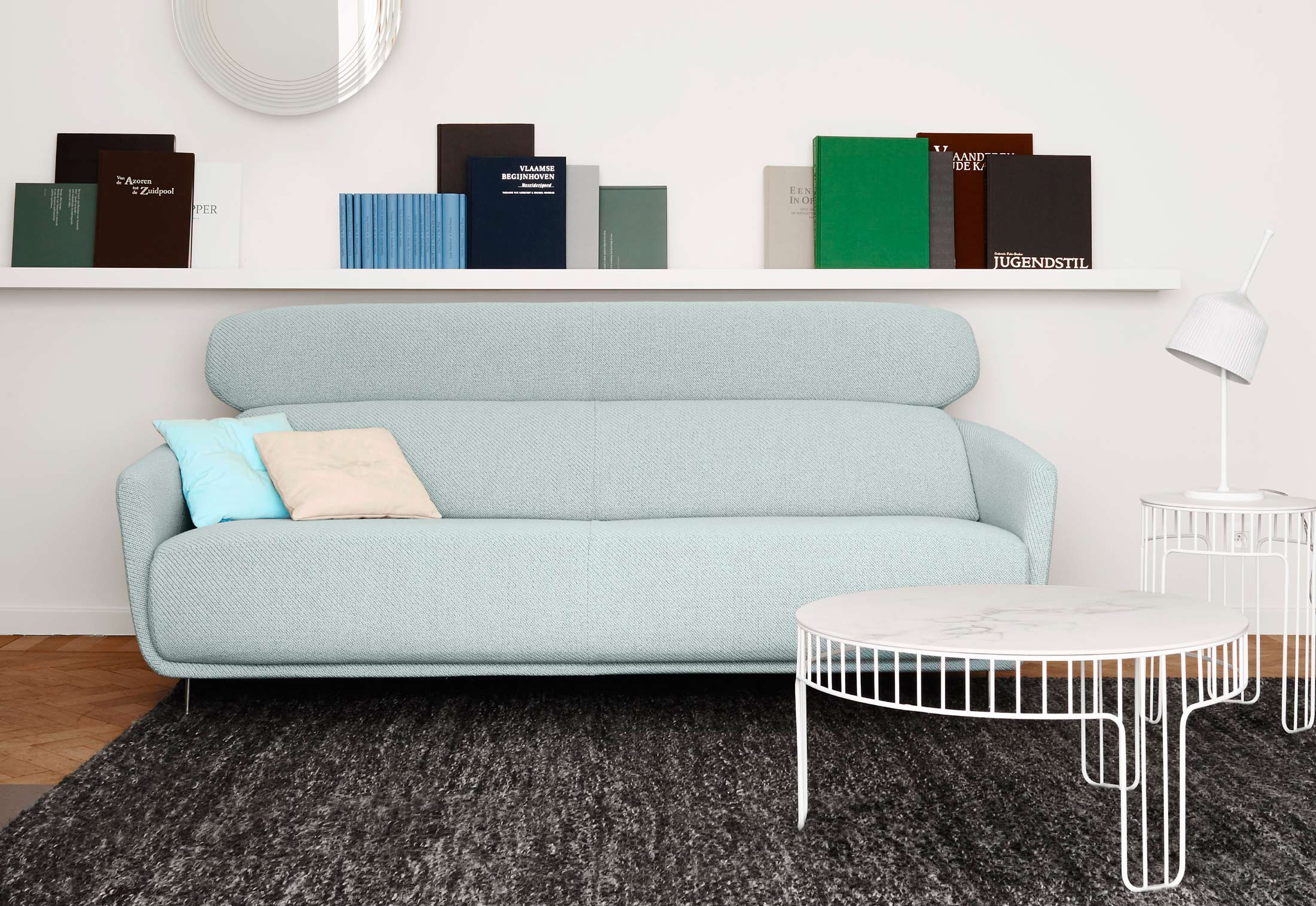 cadence beistelltisch von ligne roset stylepark. Black Bedroom Furniture Sets. Home Design Ideas